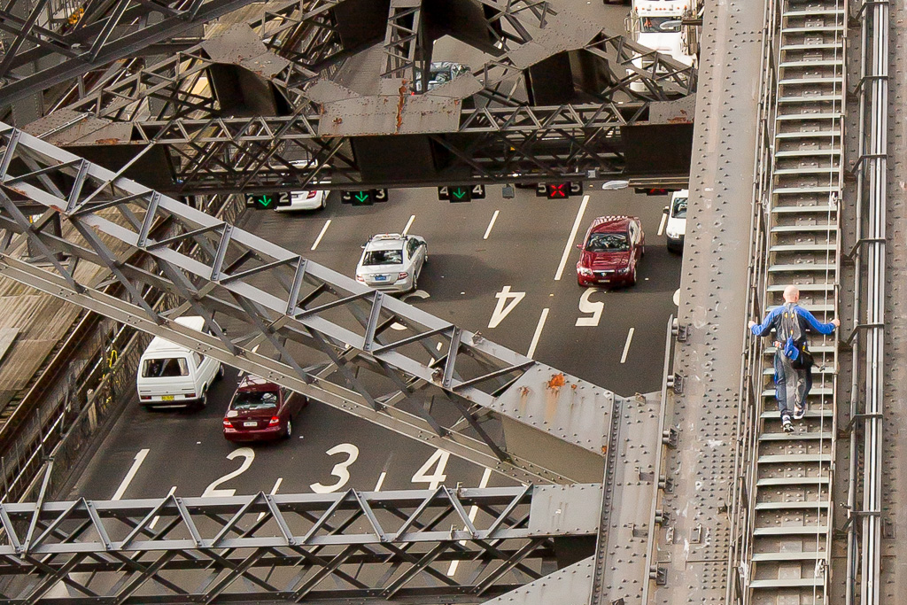Sydney_Harbour_Bridge_Pylon-96